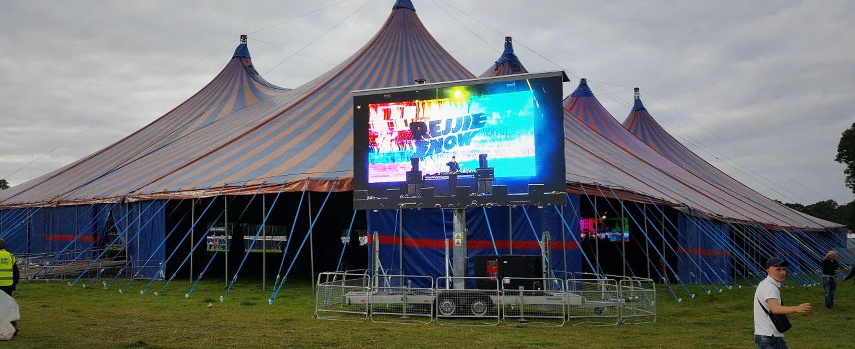festival-concert-big-screen-hire-slide
